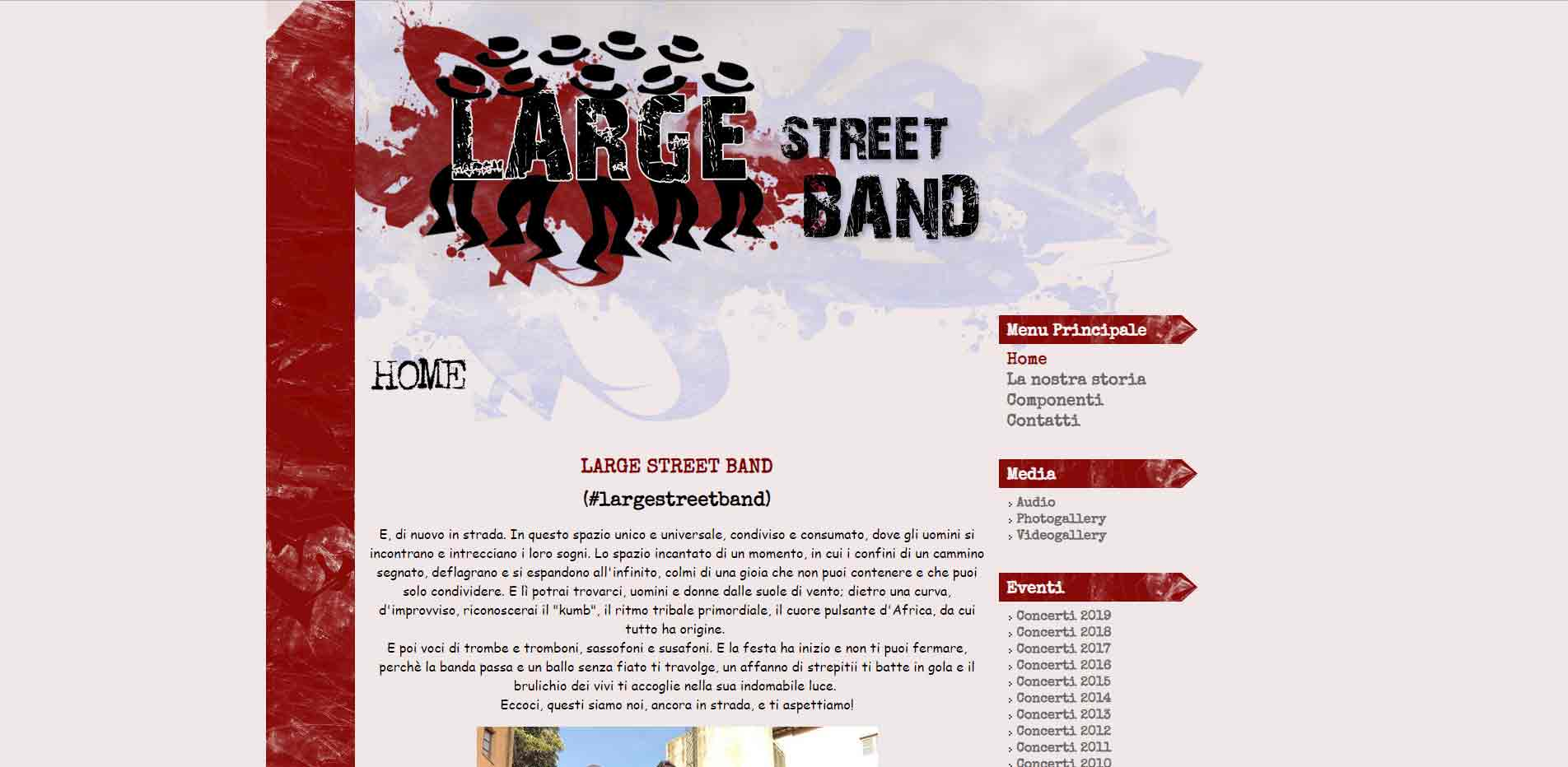 Large Streeet Band